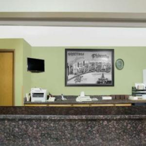 LaSalle Speedway Hotels - Super 8 By Wyndham Princeton