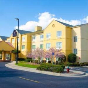 Hotels near The Borough Statesboro - Eagles Nest Inn