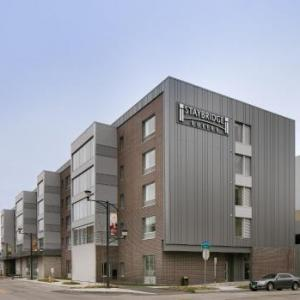 Hotels near Vaudeville Mews - Staybridge Suites Des Moines Downtown