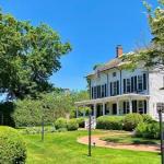 Hotels near Guild Hall East Hampton - The Hedges Inn