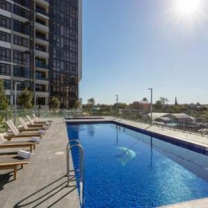 Hotels near Riverside Theatres Parramatta - Meriton Suites Church Street Parramatta