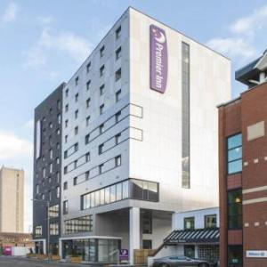 New Victoria Theatre Hotels - Premier Inn Woking Town Centre