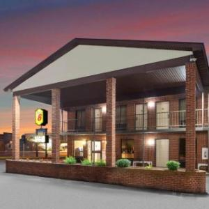 Sandusky State Theatre Hotels - Econo Lodge North Sandusky