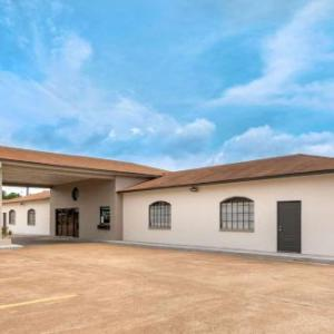 Hotels near Nacogdoches County Expo Center - Econo Lodge Nacogdoches