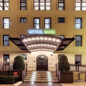 Charles E Smith Center Hotels - Hotel Hive