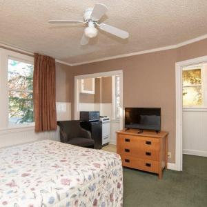 Seattle Repertory Theatre Hotels - Inn At Queen Anne