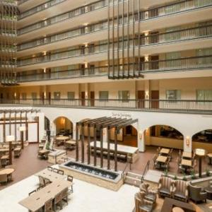 Embassy Suites Hotel Dallas - Love Field