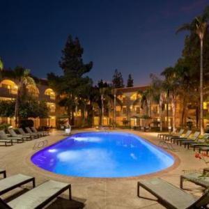 Hollywood Alley Hotels - Embassy Suites Phoenix - Tempe