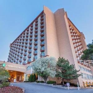 The Record Bar Hotels - Embassy Suites Kansas City Country Club Plaza