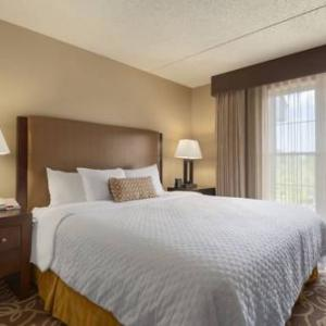 Pittsburgh International Airport Hotels - Embassy Suites Hotel Pittsburgh-International Airport