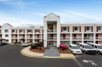 Econo Lodge & Suites Image