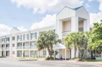 Baymont Inn & Suites Wilmington Image