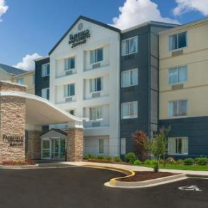Level 2 Entertainment Complex Hotels - Fairfield Inn And Suites By Marriott Memphis I-240 At Perkins Rd