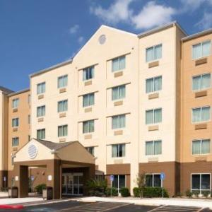 Fairfield Inn & Suites Marriott San Antonio Ap/No. Star Mall