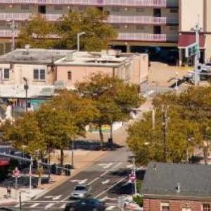 Hotels near Peabody's Nightclub - Marjac Suites Virginia Beach Oceanfront