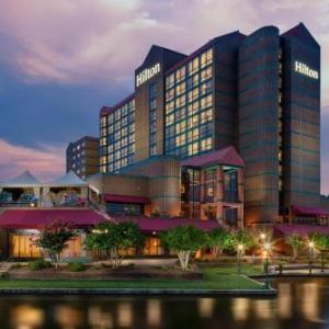Hotels near Jerry Richardson Stadium - Hilton Charlotte University Place