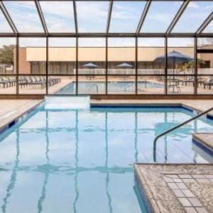 Six Flags Hurricane Harbor Texas Hotels - Hilton Arlington