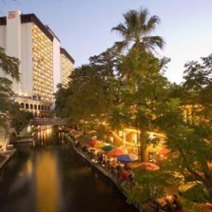 Hotels near Rivercenter Comedy Club - Hilton Palacio del Rio
