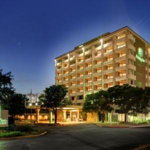 Hotels Near Highland Mall Holiday Inn Austin Midtown