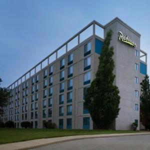 Hotels near Toledo Zoo Amphitheater - Radisson Hotel At The University Of Toledo