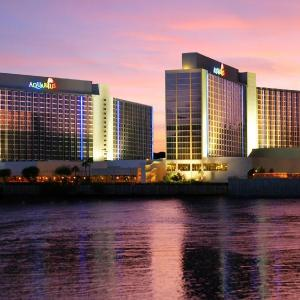 Hotels near Edgewater E Center - Aquarius Casino Resort