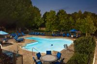 Hilton Charlotte Executive Park Image