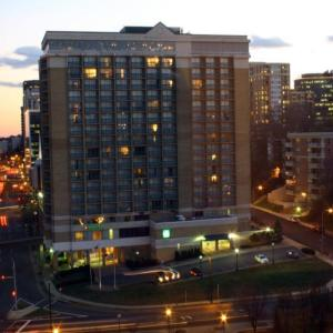 Hotels near Artisphere Arlington - Holiday Inn Rosslyn At Key Bridge
