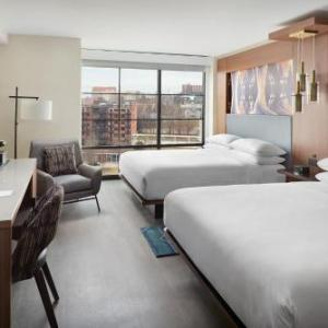 Knoxville Civic Coliseum Hotels - Holiday Inn Knoxville Downtown