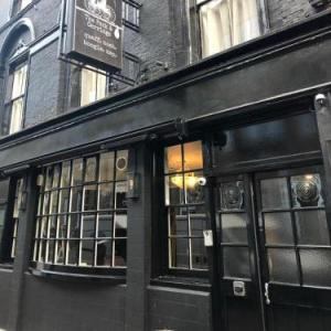 The Underworld Camden Hotels - The Pack And Carriage London