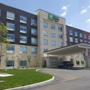 Glass Bowl Stadium Hotels - Holiday Inn Express & Suites Toledo West