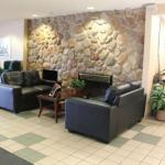 Lacombe Memorial Centre Hotels - Greenway Inn