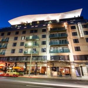 Adelaide Botanic Garden Hotels - Majestic Roof Garden Hotel