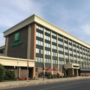 Hotels near Cambria County War Memorial Arena - Holiday Inn Johnstown-downtown