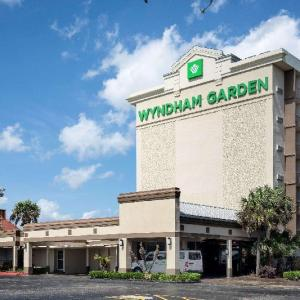 Clearview Mall Hotels - Wyndham Garden New Orleans Airport