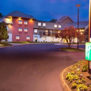 Holiday Inn Express Nashville Airport TN, 37214