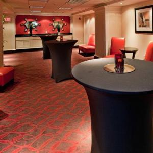 Kemper Arena Hotels - Holiday Inn Kansas City Downtown - Aladdin