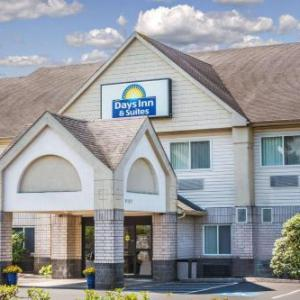 Days Inn & Suites by Wyndham Vancouver