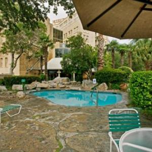San Antonio River Walk Hotels - The Crockett Hotel