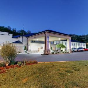 Holiday Inn Express Hurricane Mills Waverly