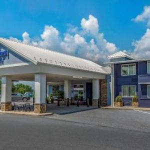 Hotels near Maple Grove Raceway - Comfort Inn Lancaster County North