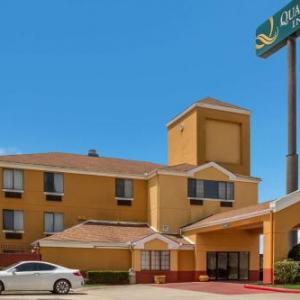 Royal Purple Raceway Hotels - Quality Inn Baytown