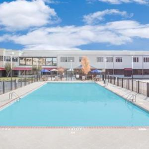 Crown Coliseum Hotels - Ramada Plaza Fayetteville Fort Bragg Area