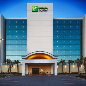 Holiday Inn Express & Suites Oceanfront Va Beach