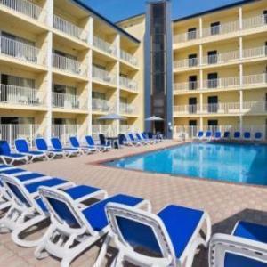 Howard Johnson Oceanfront Hotel