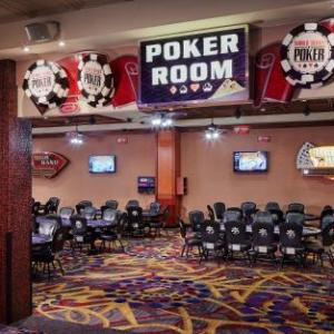 Hotels near VooDoo Lounge Kansas City - Harrah's North Kansas City Hotel & Casino