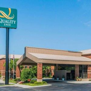 Hotels near Tonic Night Club Pontiac - Quality Inn Auburn Hills