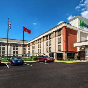 Hotels near Growlers Memphis - Holiday Inn Express Memphis Medical Center Midtown