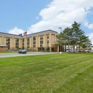 Hotels near LUNA Royal Oak - Hampton Inn Detroit/madison Heights/south Troy