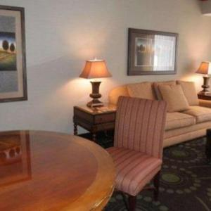 Hotels near Hazelwood Central High School - Quality Inn Florissant