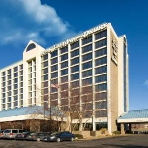 Hotels near Plush Saint Louis - Pear Tree Inn St. Louis Near Union Station